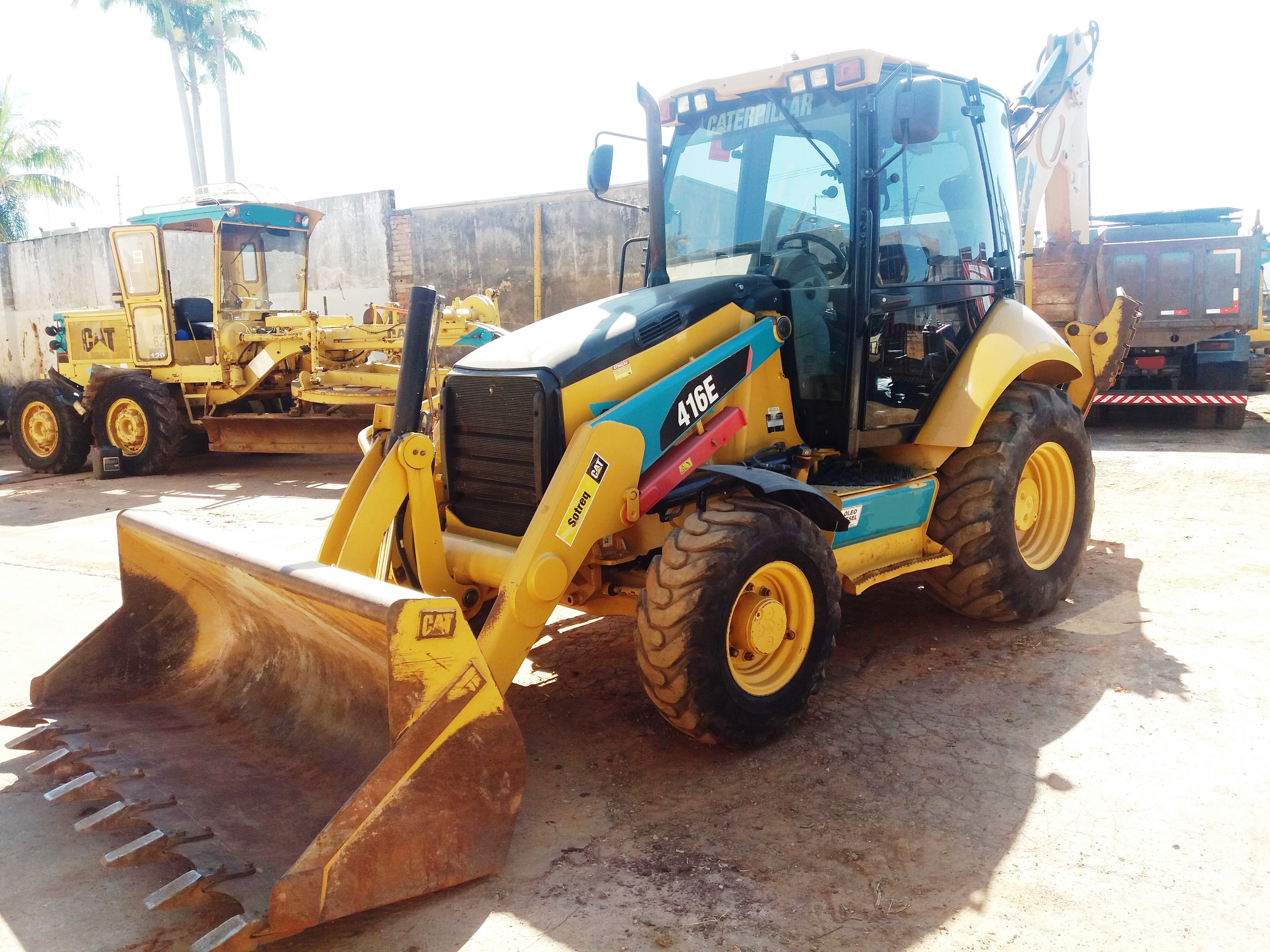 Construction Machine - Backhoe - CATERPILLAR 416E 2013