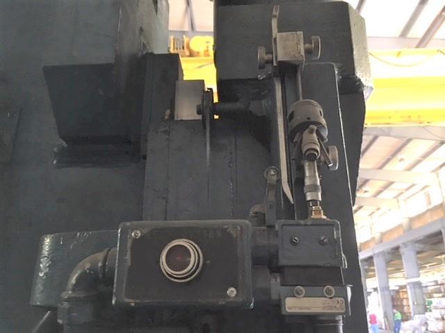 Metalworking Machine - Press - Pacific 300 Ton x 14